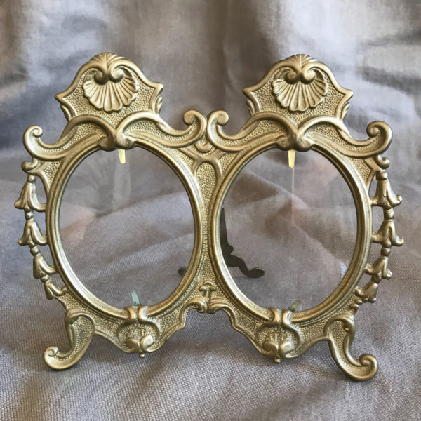 Beautiful-Brass-Double-Picture-Frame