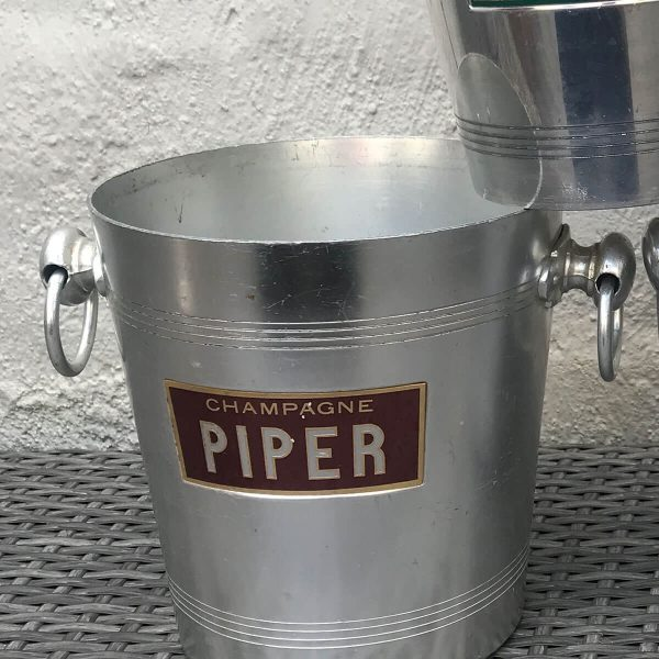 Champagne-Piper-Champagne-Bucket
